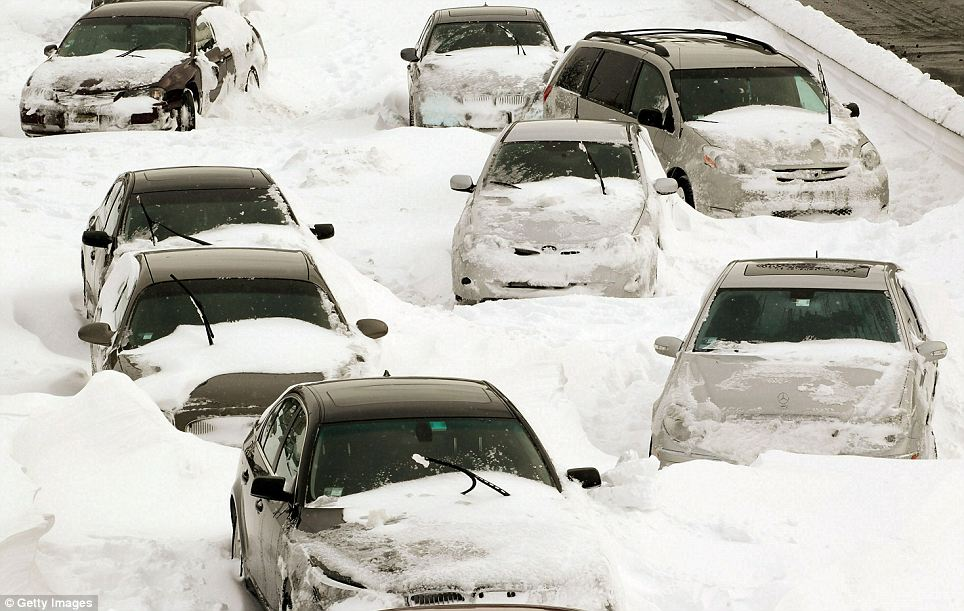 7 Things You Must Carry in Your Car This Winter