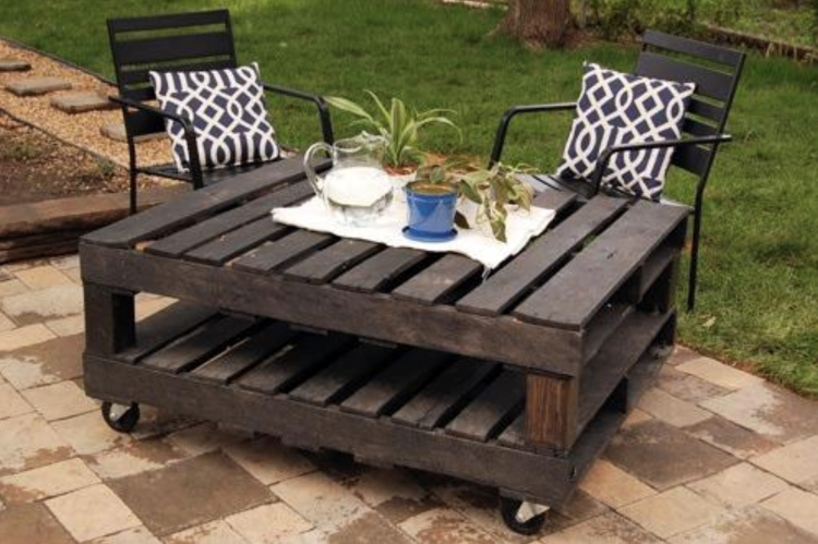 5 DIY Outdoor Pallet Projects to Enjoy This Summer