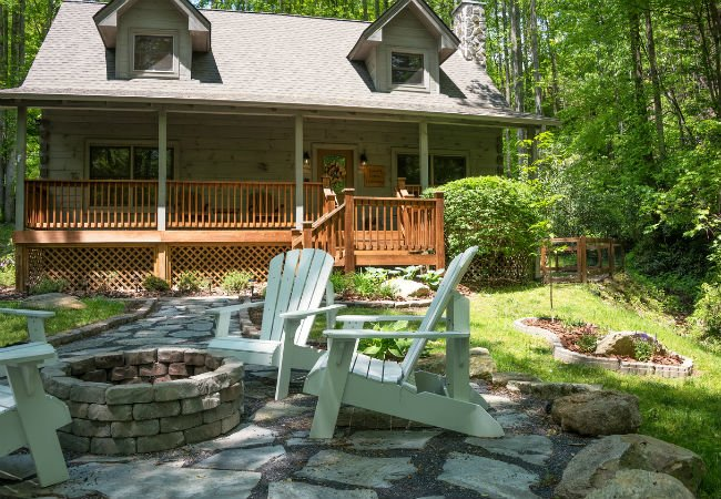 Dos and Don'ts of Building a Fire Pit